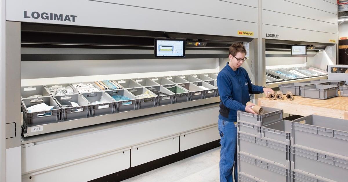 Lagerarbeider og lagerautomat