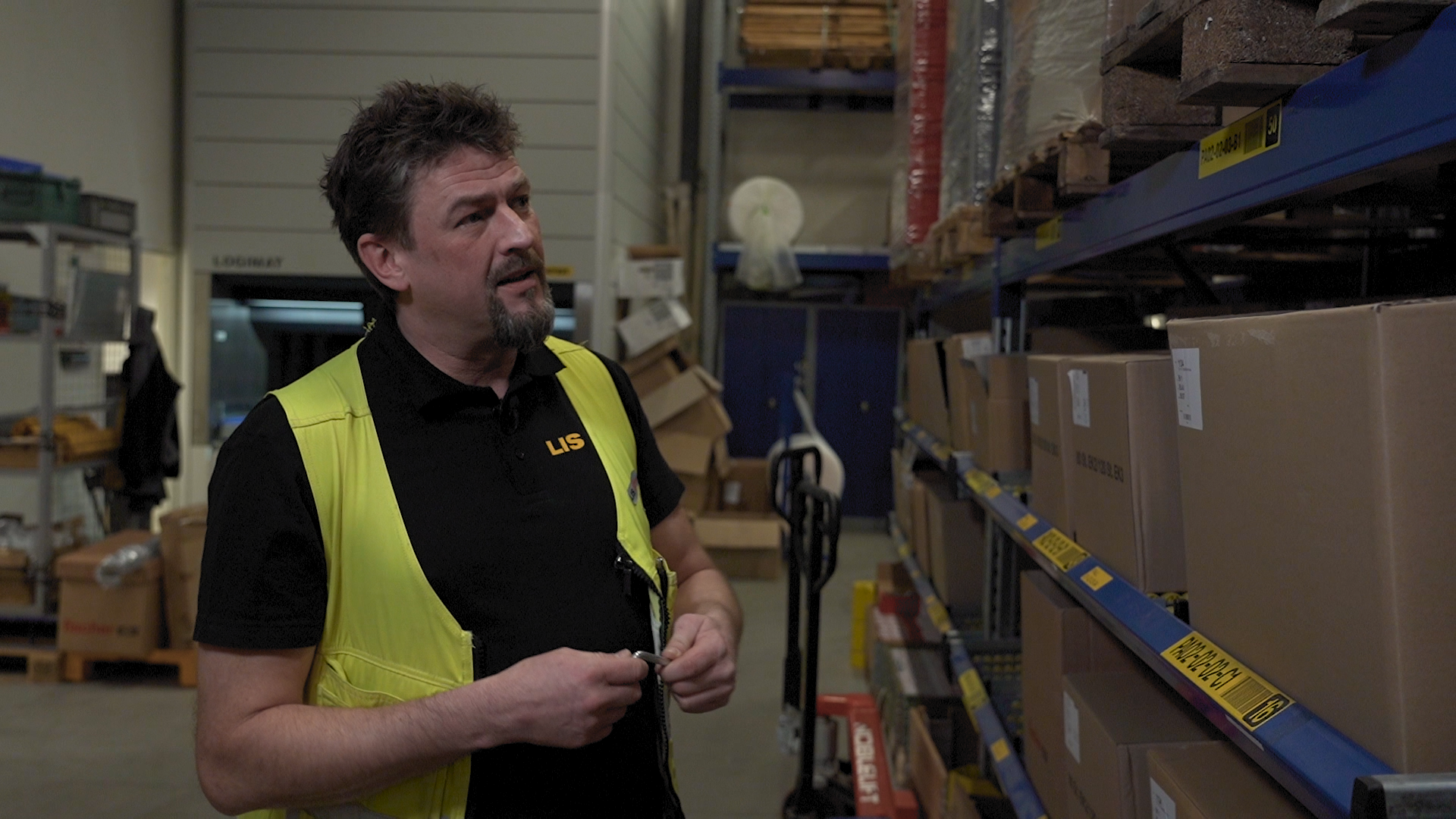 [Video] Er det trygt å ferdes på lageret ditt? Slik sikrer du reolene