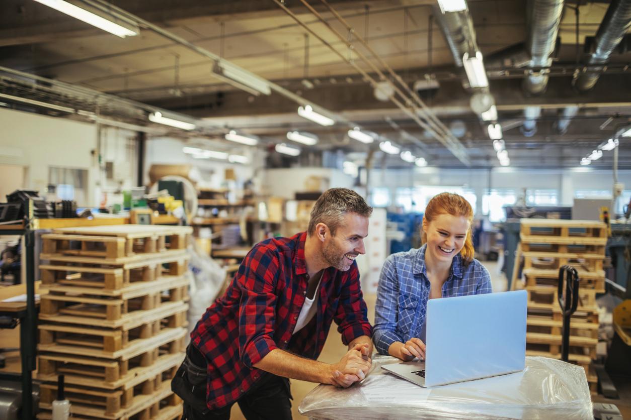 Hvordan avgjøre om du burde flytte eller effektivisere lageret?